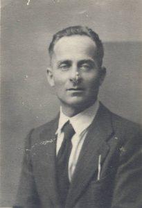 Il nonno Ulderico Bedeschi, fondatore del centro riparazioni